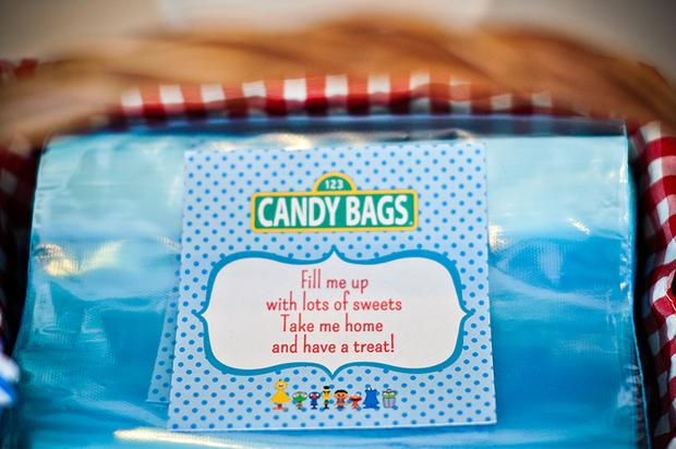 sesame-street-themed-dessert-table-baby-shower-party-candy-favor-bags