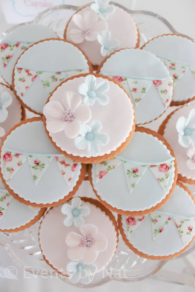 chic rose sugar cookies