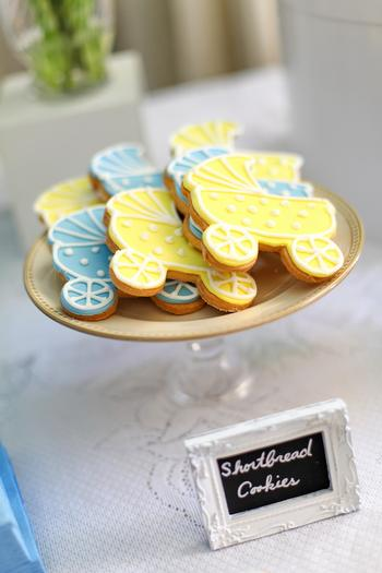 summertime outdoor baby shower ideas shortbread cookies
