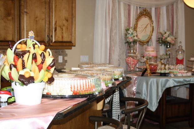 vintage glam baby shower via babyshowerideas4u, sweet baby shower treats, drink station, mason jars with flower lids, fruit flower pot