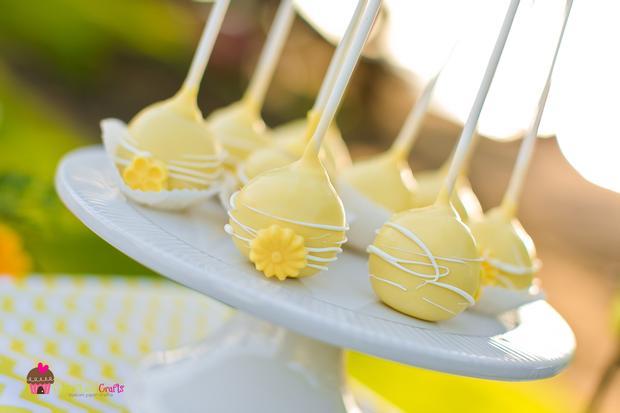 you are my sunshine grey yellow chevron party via babyshowerideas4u.com baby shower ideas 3