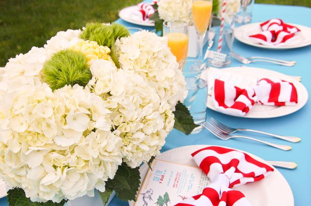 Dr Seuss Baby Shower Table Setting idea