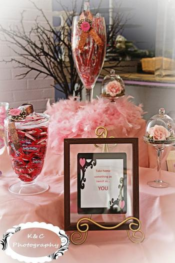 Leopard Chic Momma, chic baby shower ideas, leopard baby shower ideas, flowers in a clear vase, shoes, pretty pink dessert table