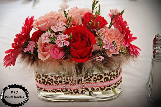 Leopard Chic Momma, chic baby shower ideas, leopard baby shower ideas, flowers