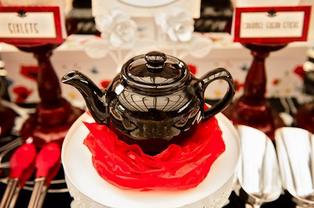 Poppy Themed Baby Shower, poppy cake pops, black tea pop decor