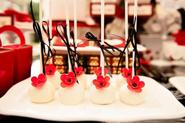 Poppy Themed Baby Shower, poppy cake pops