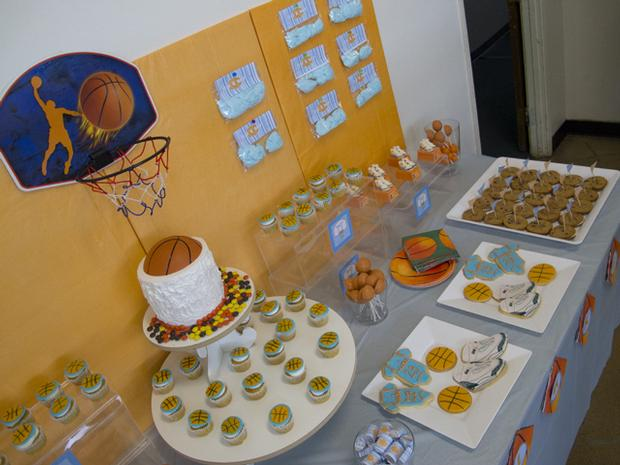 Slam Dunk Baby Shower, basketball baby shower, slam dunk birthday party ideas, basketball birthday party ideas