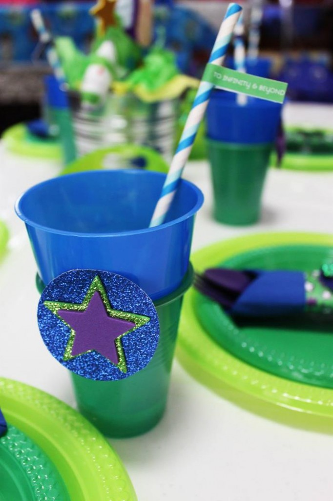 buzz lightyear birthday party, buzz lightyear baby shower ideas, banner, cups and straws
