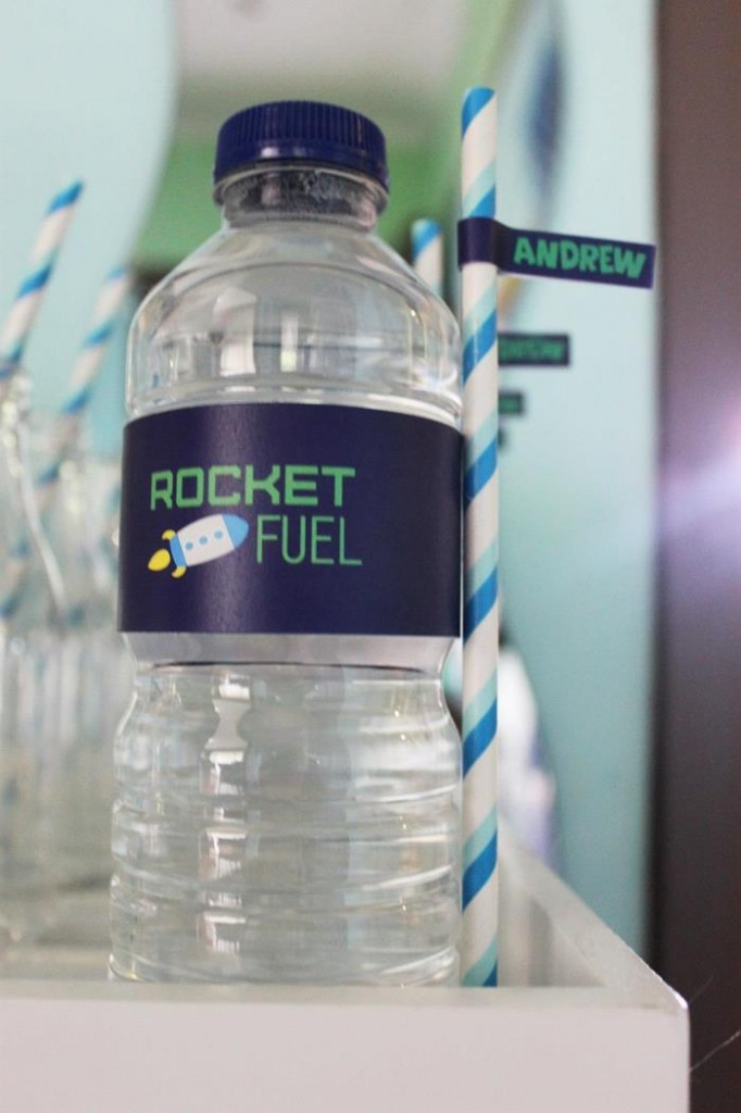 buzz lightyear birthday party, buzz lightyear baby shower ideas, cake, drink station, thank you, rocket fuel water bottle