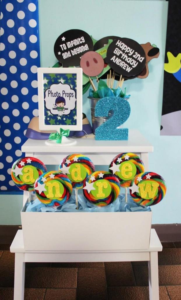 buzz lightyear birthday party, buzz lightyear baby shower ideas, photo props