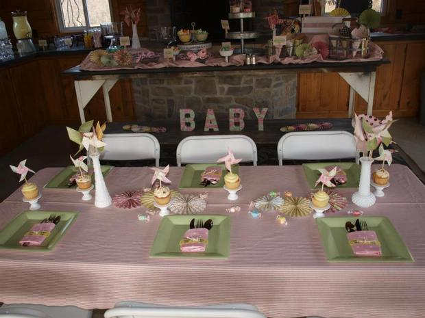 carnival chic baby shower ideas, invitation card, table setting