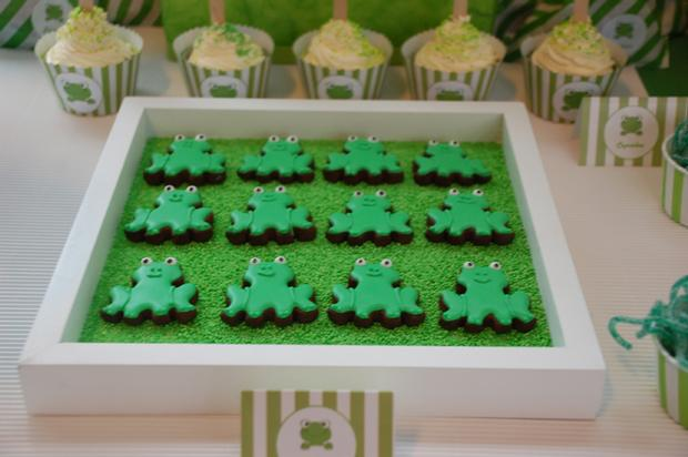 frog themed baby shower ideas, decorations, green colors, frog theme cookies