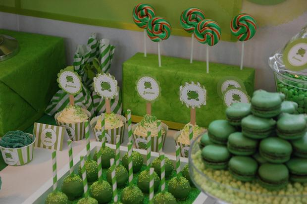 frog themed baby shower ideas, decorations, green colors, frog toppers, frog color macarons, treats