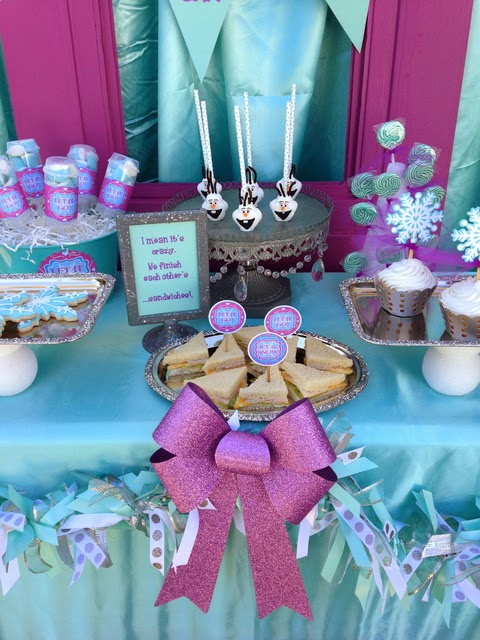 frozen movie birthday party, snowflakes toppers, lollipops, desserts