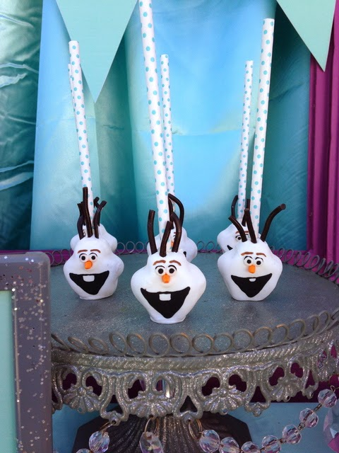 frozen movie birthday party, snowflakes toppers, oalf cakepops