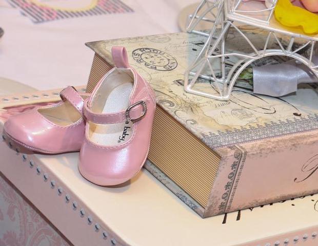 paris baby shower pink baby girl shoe