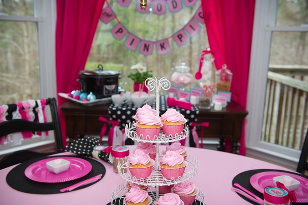 pink pig party ideas, birthday party, baby shower, playdate ideas, cupcakes