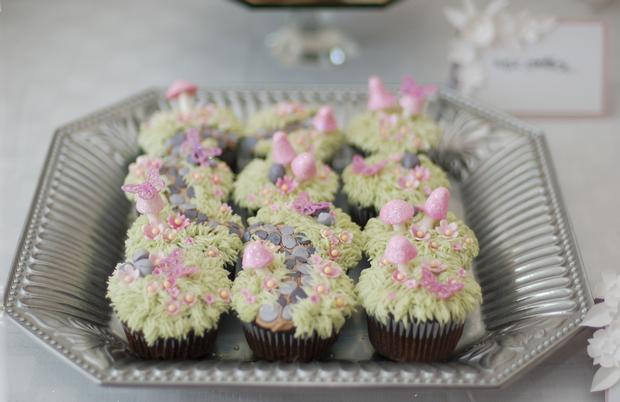 secret garden baby shower, baby girl pink mousse, secret garden cupcakes