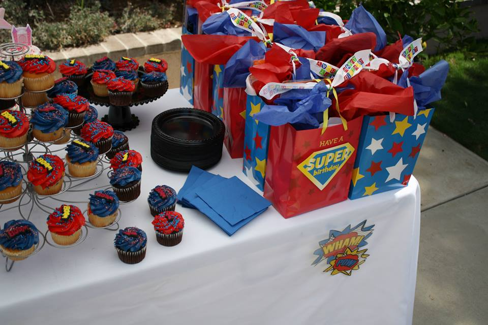 superheroes birthday party, calling all Princesss Superheros Birthday Party cupcakes, favors
