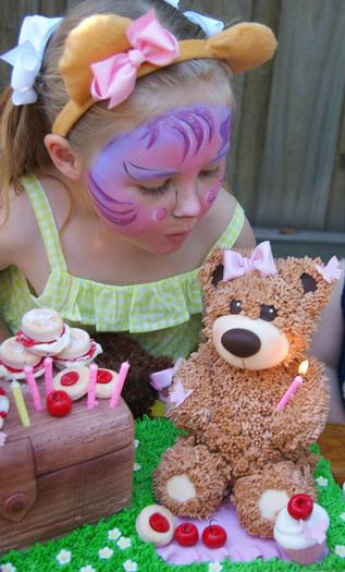 teddy bears picnic party cupcakes, perfect for teddy bear themed baby shower, teddy bear first birthday, face paint activity