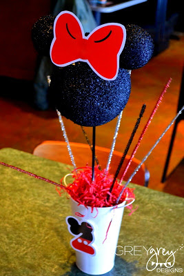 Mickey Mouse Clubhouse Party cakepops, Minnie mouse party, mickey mouse party ideas centerpiece