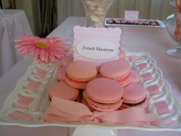 Primera Comunion pink macarons