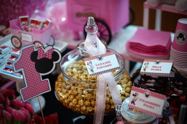 dessert table, minnie mouse, minnie mouse themed party