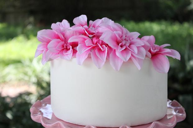 floral pink cake