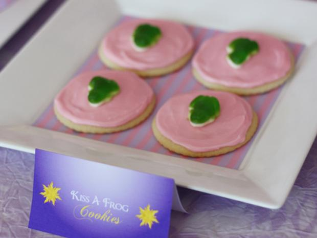 Kiss a Frog Cookies
