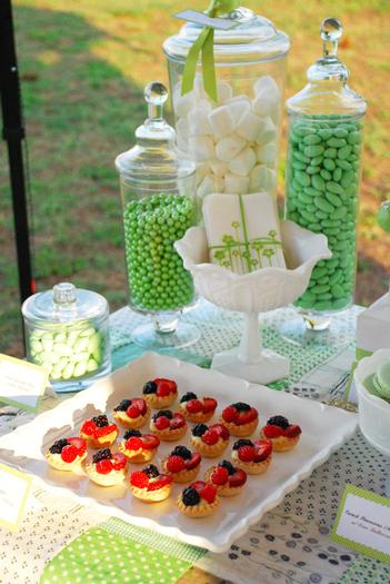 green pea pod dessert table ideas