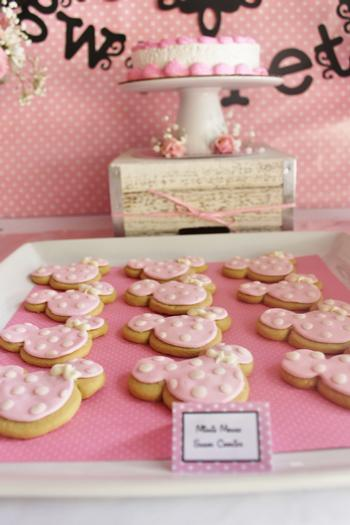 pink minnie mouse first birthday party, first birthday party ideas, minnie mouse baby shower ideas, minnie mouse party ideas