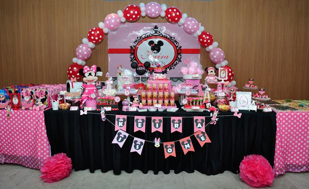 pink red minnie mouse birthday party