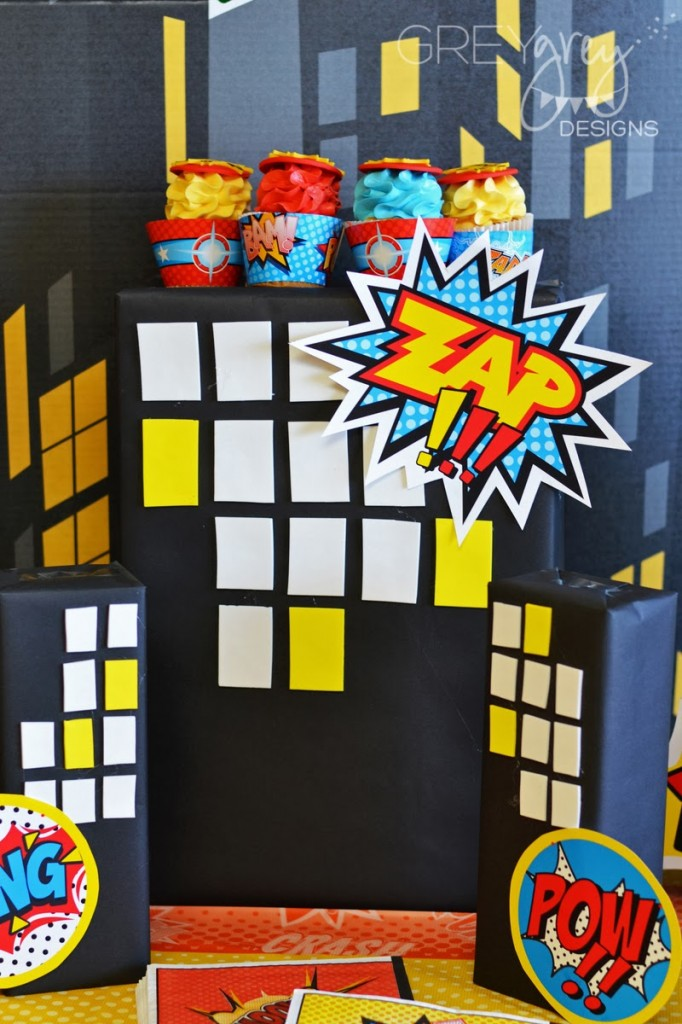 superhero birthday party ideas, table setting little capes and masks, superhero backdrop