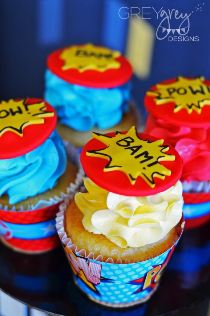superhero cupcake centerpiece