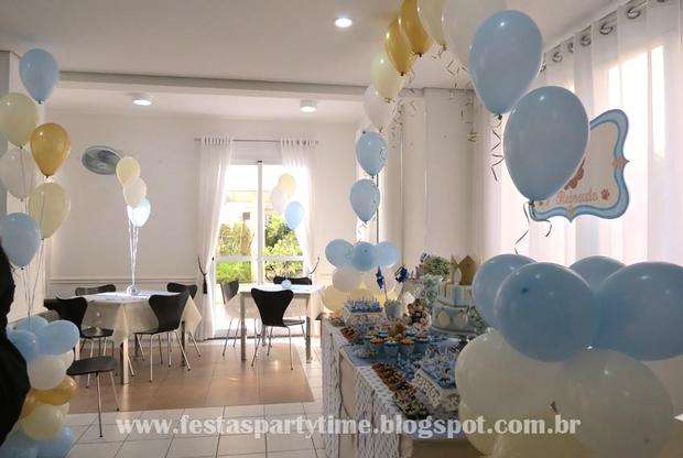 lion king birthday party setting