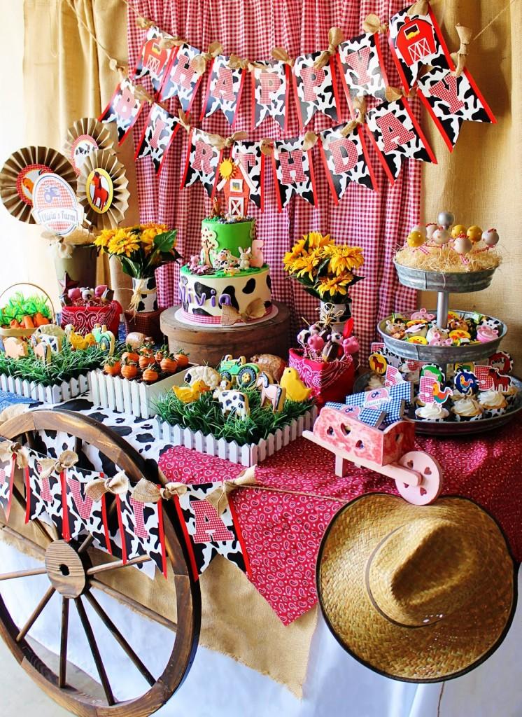 Cute Farm Party - Farm Animal Baby Shower Ideas Tablescape