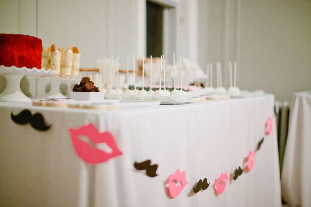 mustaches and lips desserts