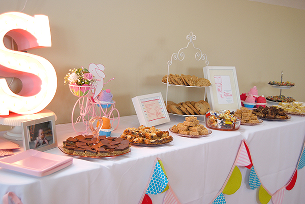 Bright Baby Shower theme (6)