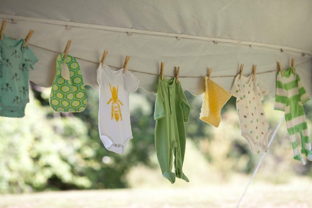 bee themed baby shower ideas