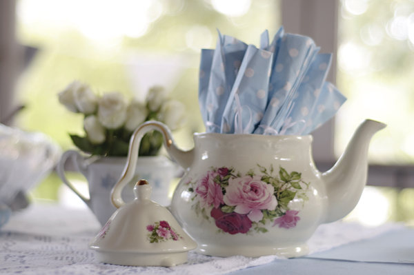 blue-white-pastel-tea-party-baby-shower (3)
