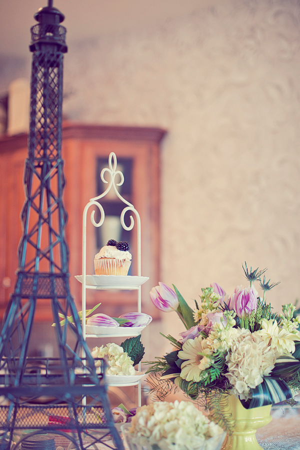 Vintage Eiffel tower decoration