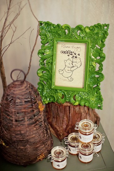 Winnie the Pooh Baby Shower decoration ideas