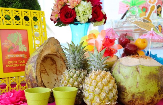 pineapples drink station