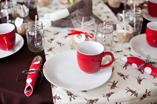 table setting in red white