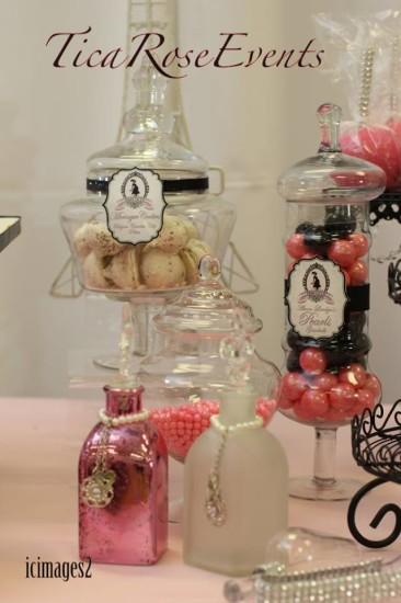 treats in pretty jars in detail