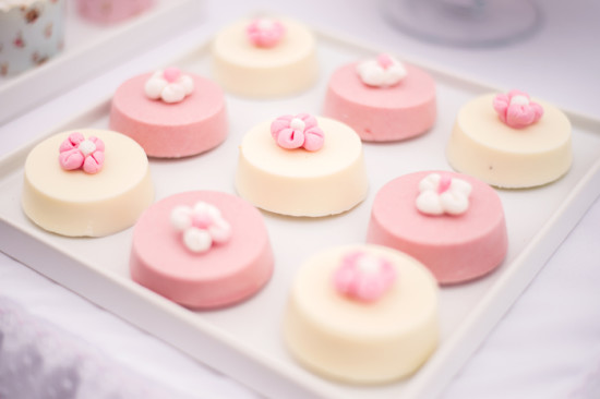 Shabby Chic Floral Baby Shower treats
