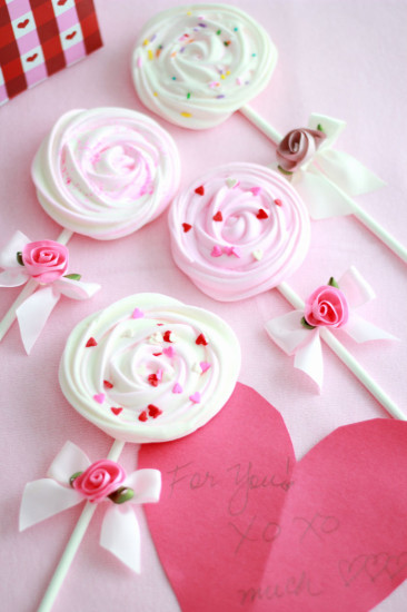 Valentines Meringue Pops white soft pink