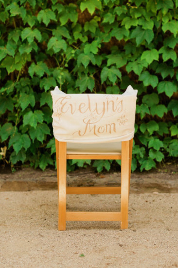 elegant table setting plates chair