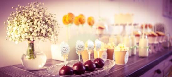 treats_drinks_sweet_table
