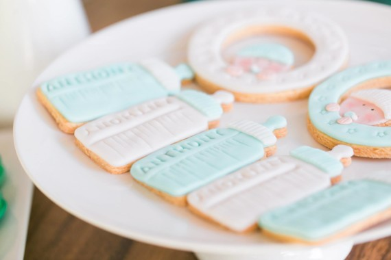 baby-shower-frosted-cookies-baby-items